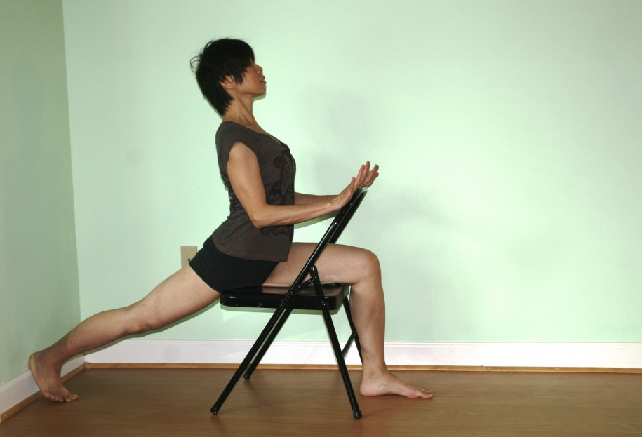 Yoga with a chair with winnie au dc yoga classes for Chaise yoga iyengar